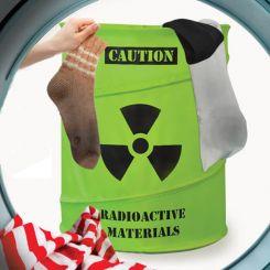 Cubo de ropa sucia tóxica