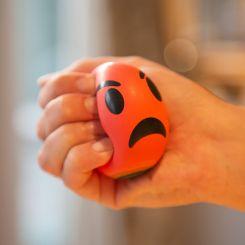 Pelota antiestrés emoticono enfadado