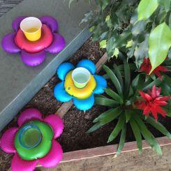 Flores hinchables para bebidas