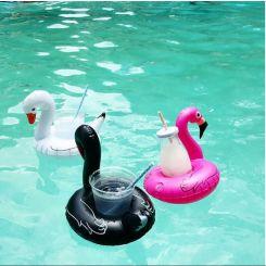 Flamenco y cisnes hinchables para bebidas