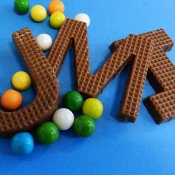 Letras y números de chocolate belga