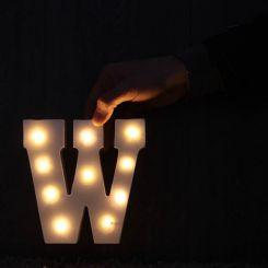 Letras con luces (A, B, C...)