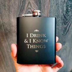 "Petaca ""I drink and i know things"" de Tyrion, Juego de Tronos"