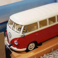 Volkswagen BUS teledirigido 1:16