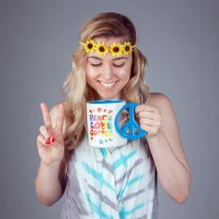 Taza Peace Love Coffee