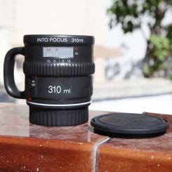 Taza cerámica objetivo cámara