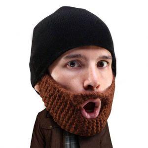 Gorro liso con barba de tres días