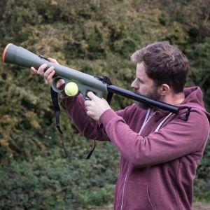Bazooka lanzador de pelotas para perros