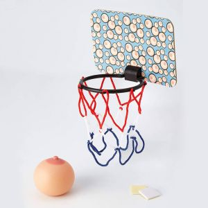 Boobie Basketball, juego mini basket pechos