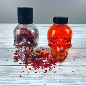 Flaming Skull Chilli Set: Calaveras con aceite y hojuelas de chile