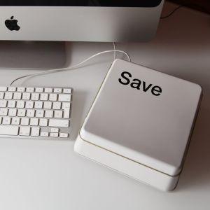 Caja de metal tecla Save