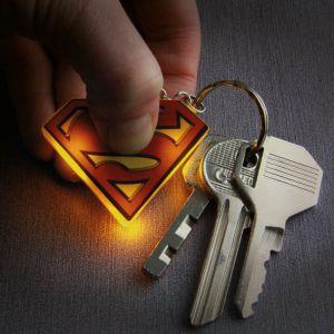 Llavero logo Superman con luz