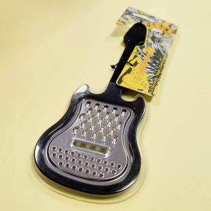 Rallador con forma de guitarra eléctrica