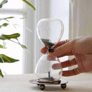 Reloj de arena magnética