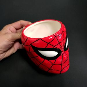 Taza con relieve de Spiderman, Marvel