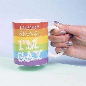 Taza Nobody Knows I'm Gay, cambia de diseño con bebida caliente