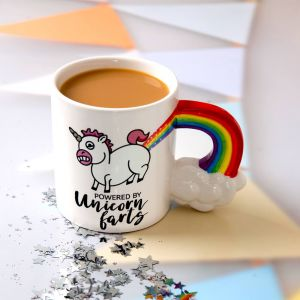 Taza Unicornio Arcoíris powered by unicorn farts