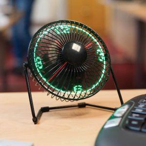 Ventilador de escritorio con reloj LED